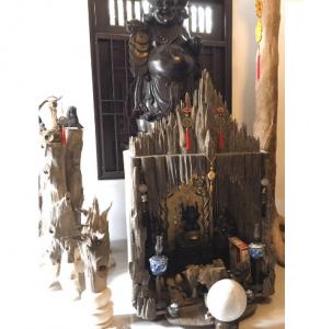 Trang thờ gỗ